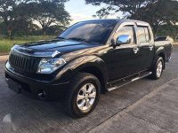 Nissan Navara LE 2011 White for sale