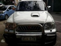 Strada 4x4 2003 matic for sale