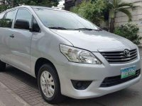 Well-maintained  Toyota Innova E 2012 for sale