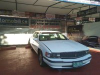 Selling Cadillac Deville 1994 at 300000 km for sale