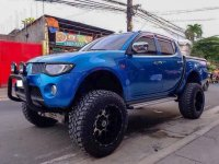 Selling 2nd Hand Mitsubishi Strada 2007 at 80000 km in Quezon City