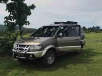 2nd Hand Isuzu Crosswind 2011 SUV at 85000 km for sale