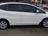Selling White Honda Jazz 2013 in Manila