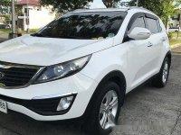 White Kia Sportage 2014 at 85000 km for sale