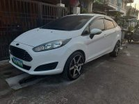 White Ford Fiesta 2014 at 77698 km for sale