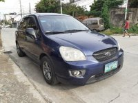 Selling Blue Kia Carens 2008 at 106000 km