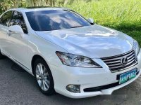 White Lexus Es 350 2010 at 68000 km for sale