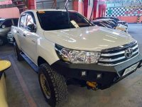 Selling White Toyota Hilux 2016 Automatic Diesel