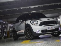 White Mini Cooper Countryman 2011 for sale in Automatic