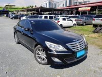 Sell 2013 Hyundai Genesis in Pasig