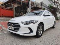 Selling White Hyundai Elantra 2018 in Quezon City