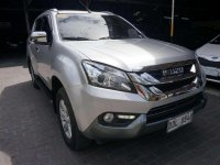 Selling Purple Isuzu Mu-X 2016 in Pasig