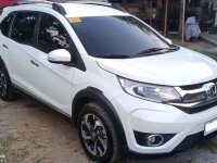 White Honda BR-V 2017 for sale in Automatic