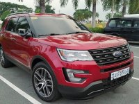 Selling Red Ford Explorer 2017 at 8000 km
