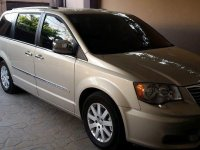 Selling Beige Chrysler Town And Country 2012 in Muntinlupa
