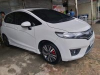 Selling White Honda Jazz 2016 in Surigao City