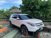 White Ford Explorer 2013 Automatic for sale
