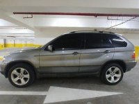 Selling Silver Bmw X5 2006 at 70000 km