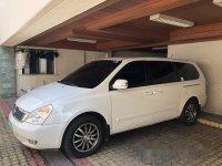 White Kia Carnival 2013 Automatic for sale