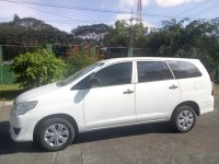 Selling White Toyota Innova 2015 in Pasig
