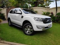 White Ford Everest 2015 for sale in Bautista