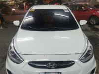Selling White Hyundai Accent 2015 in Manila