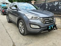 Selling Grey Hyundai Santa Fe 2013 in Manila