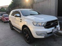 Selling White Ford Everest 2016 in Manila