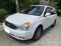 White Kia Carnival 2014 Automatic for sale