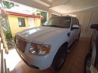 Sell White 2001 Ford Explorer in Bacolod