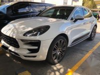 White Porsche Macan 2016 for sale in Manila