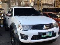 White Mitsubishi Strada 2012 for sale in Manual