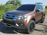 Brown Isuzu Mu-X 2016 for sale in Caloocan