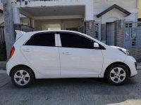 White Kia Picanto 2012 at 108000 km for sale