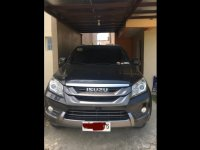 Selling Grey Isuzu Mu-X 2015 SUV / MPV in Imus