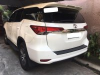 Selling White Toyota Fortuner in Manila