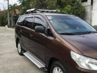 Selling Brown Toyota Innova 2014 in Binan