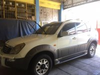 Selling White Ssangyong Rexton 2004 in Pasig City