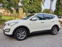White Hyundai Santa Fe 2014 SUV / MPV for sale in Manila