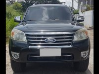 Selling Black Ford Everest 2010 in Angeles