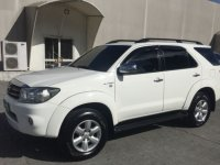 Sell White 2010 Toyota Fortuner in Parañaque