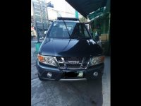 Selling Blue Isuzu Crosswind 2010 in Quezon City