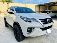 Sell White Toyota Fortuner in Las Piñas