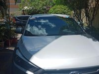 Selling Silver Hyundai Tucson in Quezon City