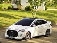 White Hyundai Accent for sale in Liloan