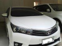 Pearl White Toyota Corolla altis for sale in Manila
