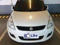 White Suzuki Swift for sale in Las Piñas