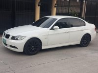 Selling White Bmw 318I in Quezon City