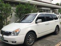 Sell White Kia Carnival in Caloocan