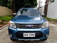 Selling Blue Ford Everest in Makati